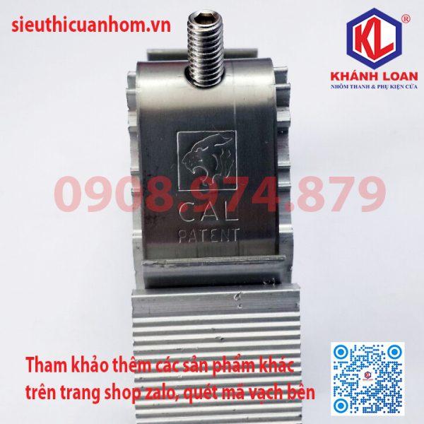 CAL-7053 - KE GOC CHO CANH CUA HE 700